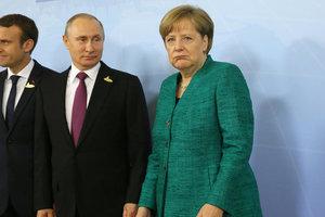 Песков рассказал, что обсудят Путин и Меркель