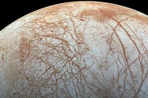 NASA объявило о существовании гейзеров на спутнике Юпитера