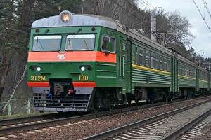 Во Львове женщина попала под поезд и осталась без ног