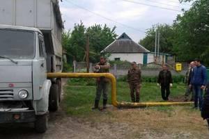 Пьяный мужчина угнал КамАЗ и снес газовую трубу под Харьковом