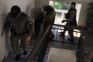 """В Киеве задержали банду из девяти """"оборотней в погонах"""""""