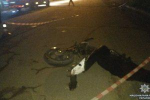 На Буковине столкнулись мотоцикл и легковушка: погиб молодой байкер