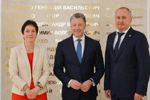 Грицак привел Волкеру доказательства причастности военных РФ к преступлениям на Донбассе
