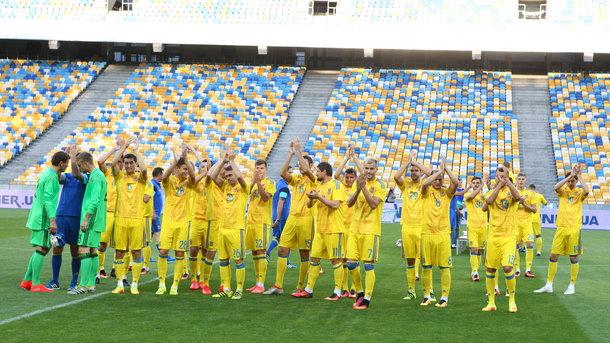 Сборная Украины осталась в топ-30 лучших команд мира