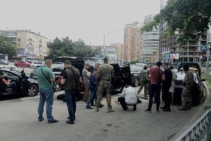 Как в голливудском фильме: в Харькове силовики задержали внедорожник с оружием