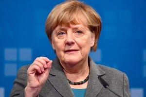 """Меркель обсудит с Путиным """"Северный поток - 2"""" - Песков"""