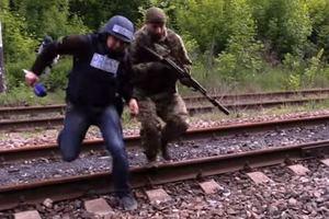 Сопровождали главаря боевиков