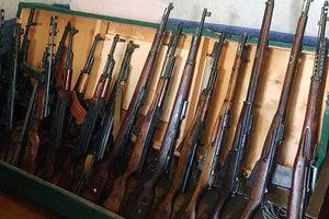Банда из Запорожья поставляла оружие на заказ