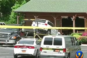 Жуткое ДТП в Штатах: глава семьи протаранил ресторан, чтобы убить пять человек