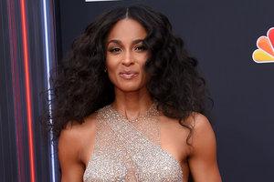 ТОП-5 откровенных образов на Billboard Music Awards-2018