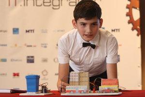 Самые светлые головы Украины: в финале конкурса STEAM-House дети презентовали датчики-поводыри для незрячих и умный холодильник