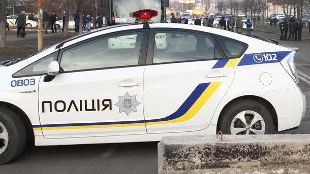 Заизбиение мужа 2-х сумских полицейских спозором сократили