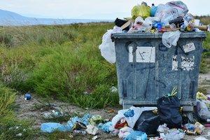 Одесса погрязла в мусоре: в городе не хватает мусоровозов