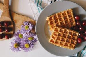 Рецепт вкусного завтрака: сладкие вафли на кефире