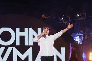 "Джон Ньюмен на концерт ""Ліга зірок"" в Киеве добирался 30 часов"