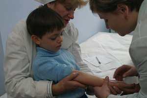 Новая вспышка кори в Украине: как распознать первые симптомы и есть ли вакцины для взрослых