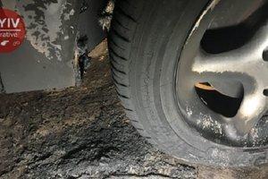 В Киеве подожгли автомобиль журналиста – СМИ