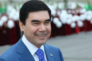 Полиция Туркменистана будет искать в туалетах газеты с президентом