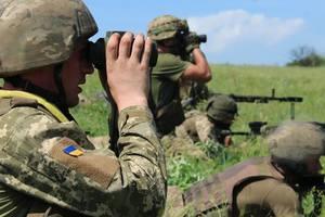 Боевики зарываются в землю под Горловкой, гонят на передовую БМП и минометы