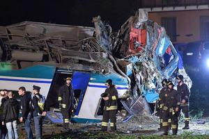 Страшное ДТП в Италии: поезд протаранил фуру - двое погибших, 18 раненых
