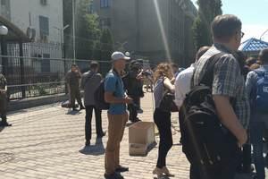 У Посольства России в Киеве прошла акция в поддержку Сенцова