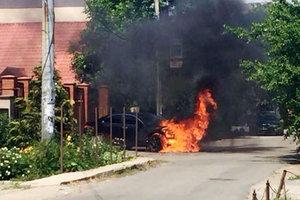В Одессе сожгли Honda крупного чиновника: появилось видео