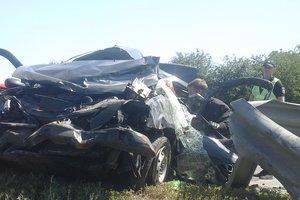 На трассе Киев - Одесса Renault врезался в отбойник