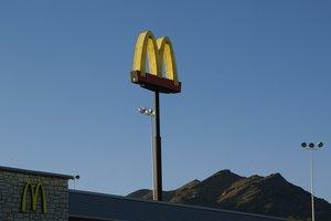 Инцидент в McDonalds около Лондона: стали известны подробности