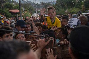 Фанаты прорвались на тренировку сборной Бразилии, произошла давка