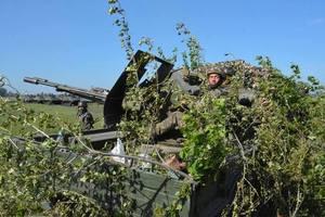 Боевики на Донбассе применили артиллерию и танки