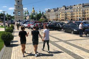 Каким увидели Киев финалистки женской Лиги чемпионов: фото из соцсетей футболисток