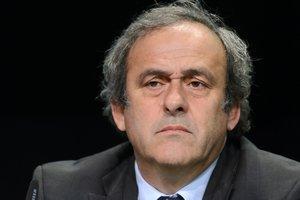 Швейцарский суд не указ: в ФИФА ответили на снятие обвинений с Платини