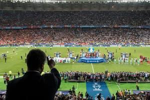 Порошенко поздравил Реал с победой в финале Лиги чемпионов