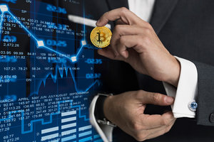 Курс Bitcoin резко пошел вверх, хотя аналитики ждут обвала криптовалюты