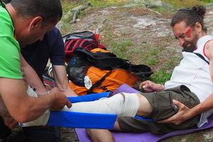 В Черновицкой области турист упал со скалы