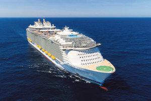 """Младший брат Титаника: репортаж с самого большого в мире круизного лайнера """"Симфония морей"""""""