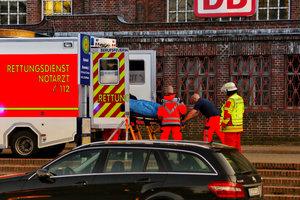 В Германии мужчина с ножом напал на пассажира поезда