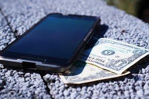 Мобильный телефон вместо кассового аппарата: Минфин придумал новые правила для бизнеса
