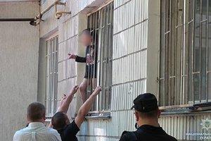 В Сумах вынесли решение по женщине, грозившей отрезать ребенку голову