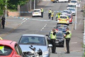 В Шотландии мужчина напал с ножом на копов