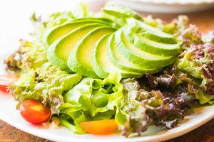 Салаты из авокадо: ТОП-5 рецептов на любой вкус