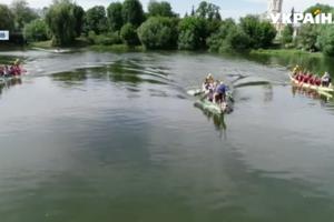 """В центре Чернигова прошли гонки на """"драконах"""""""
