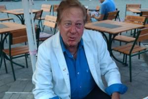 В одесском баре избили известного музыканта и друга Фрэнка Синатры