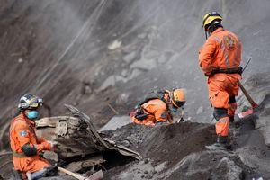 Число жертв извержения вулкана в Гватемале продолжает расти
