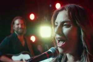 """Брэдли Купер и Леди Гага вместе спели в новом мюзикле: появился музыкальный трейлер фильма """"Рождение звезды"""""""