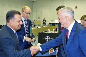 Шеф Пентагона связывает безопасность США и НАТО с Украиной