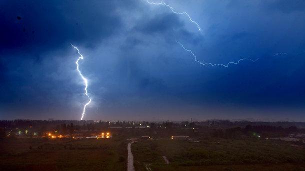 Украинцев накроют грозы и палящее солнце: прогноз погоды на неделю