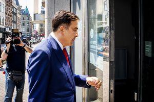 """Где сейчас подрабатывает Саакашвили: спецрепортаж """"По следам бродячего реформатора. Часть вторая"""""""