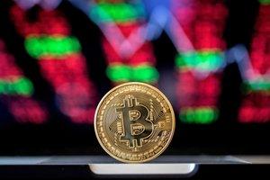 Курс Bitcoin обвалился на фоне многомиллионной кражи на бирже