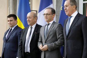 """В Берлине """"нормандская четверка"""" попытается договориться о прекращении огня на Донбассе"""